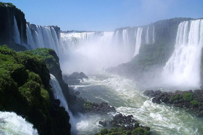 A CATARATAS EN AVION DESDE CORDOBA - Cataratas del Iguazú /  - Buteler Viajes