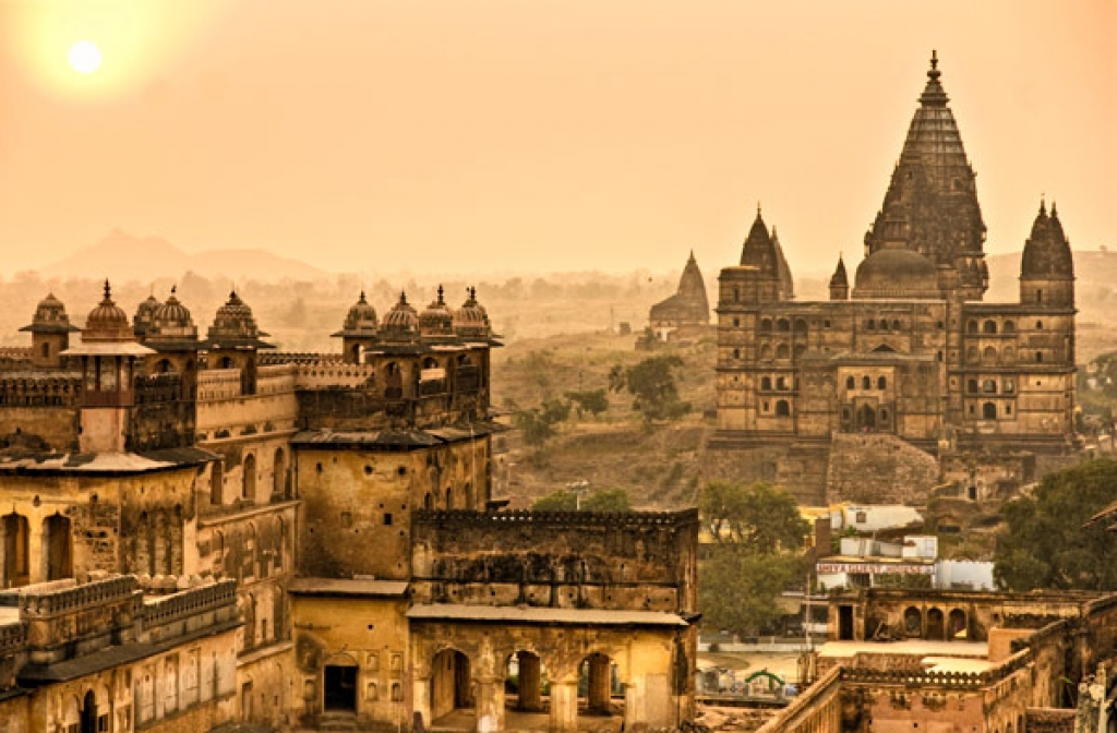 VIAJE GRUPAL A INDIA CLASICA Y DUBAI DESDE CORDOBA ARGENTINA - Dubái / Agra / Benarés / Delhi / Jaipur / Jhansi / Khajuraho / Orchha /  - Buteler Viajes